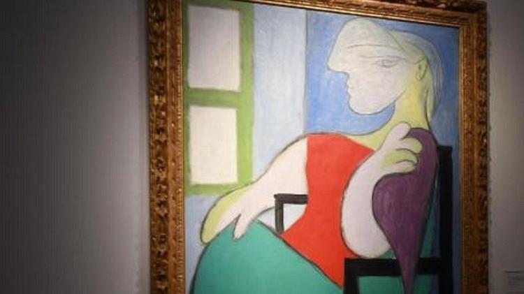 Picasso'nun 'Pencerenin yanında oturan kadın' tablosuna 875 milyon TL