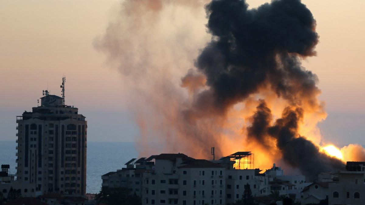 Gazze'de kayıplar artıyor... Bakanlık binası da vuruldu: Ölü sayısı 136'ya yükseldi