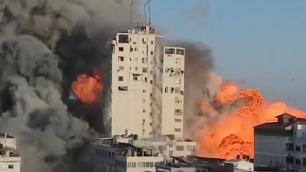 İsrail bu kez canlı yayında vurdu: Medya binası yerle bir oldu