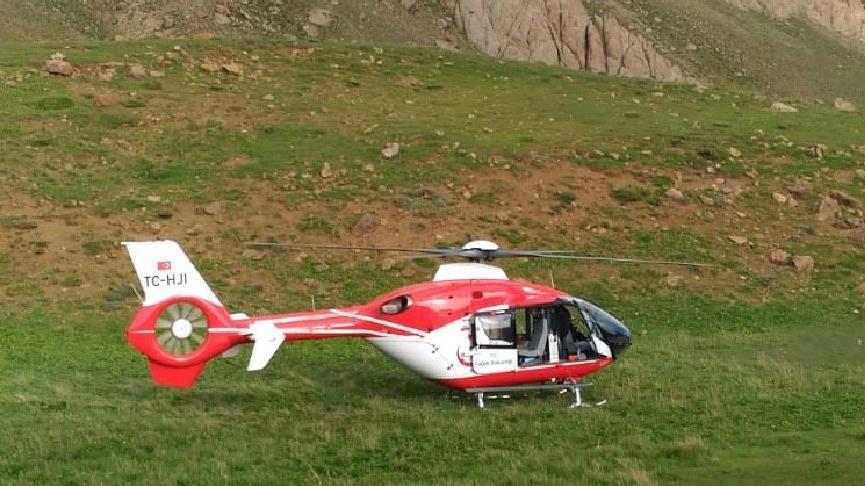 Erek Dağı'nda yüksekten düşen 12 yaşındaki Alican ambulans helikopterle hastaneye ulaştırıldı