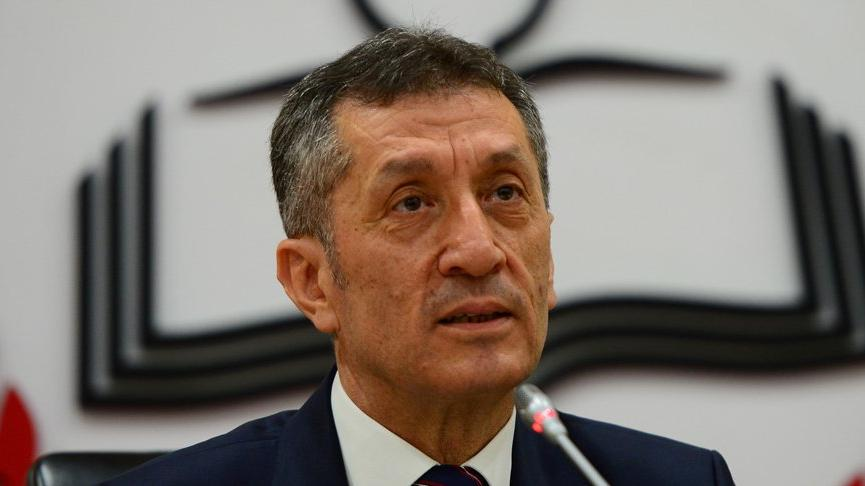 Milli Eğitim Bakanı Ziya Selçuk 9, 10, 11 ve 12. sınıflara seslendi