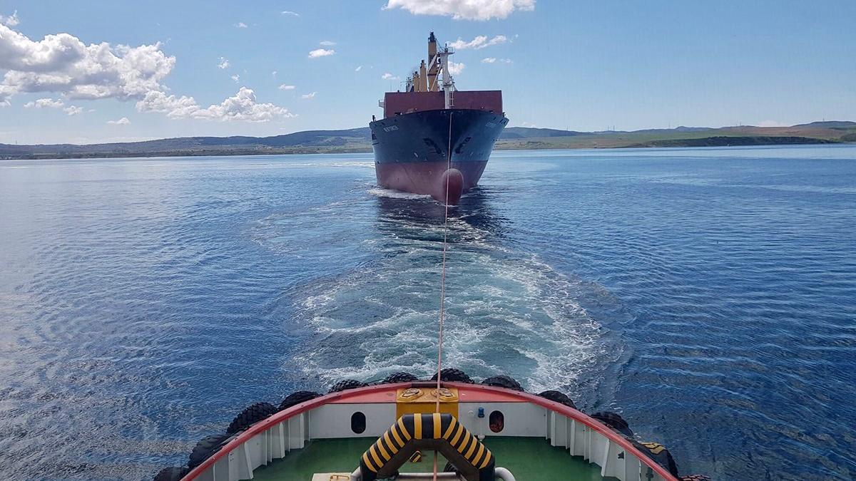 Gelibolu açıklarında konteyner gemisi hareketliliği
