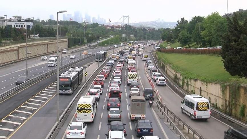Kapanma bitti İstanbul'da trafik yoğunluğu başladı