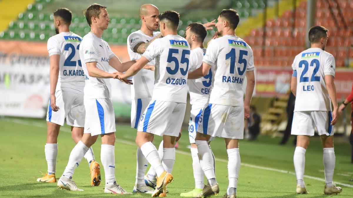 Erzurumspor'un başına bela olan madde... Sadece iki futbolcu kaldı