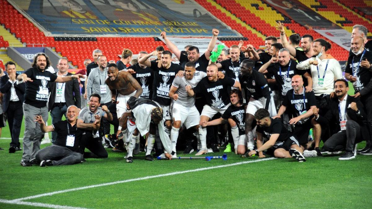 Beşiktaş eski şampiyonlukları hatırlattı: Yenilgisiz... Statsız... Taraftarsız...