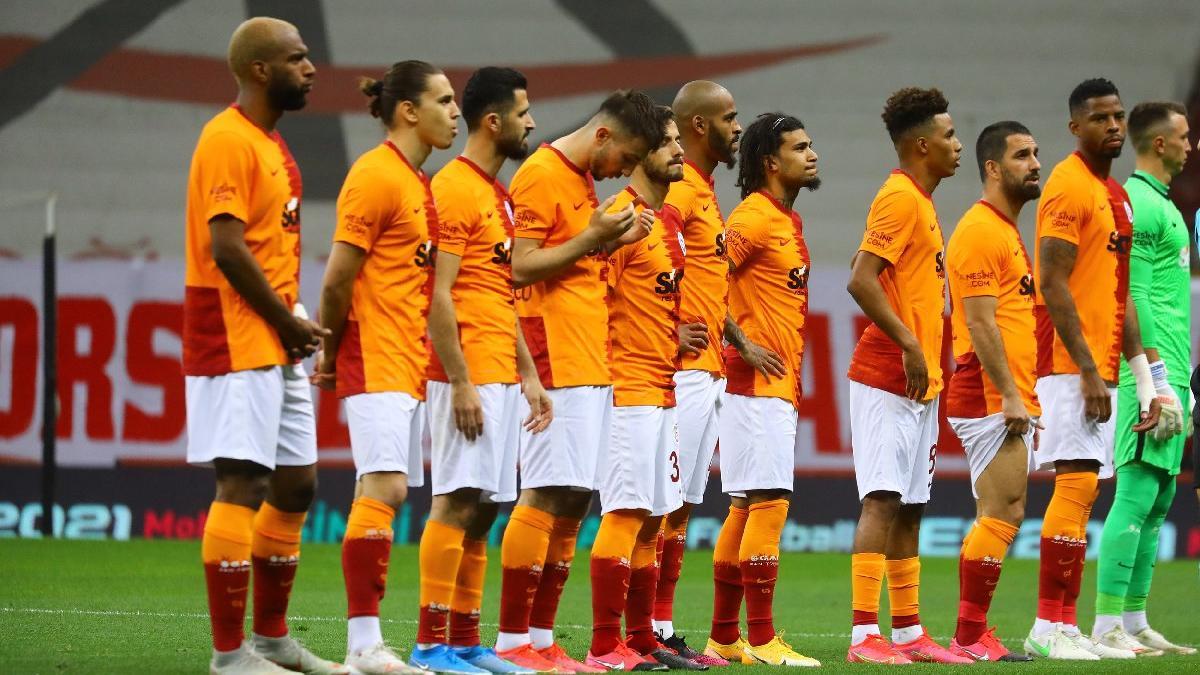 Galatasaray kaosun eşiğinde