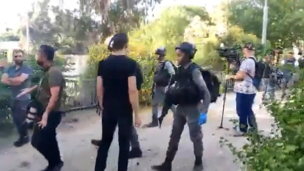 İsrail polisinden gazetecilere saldırı
