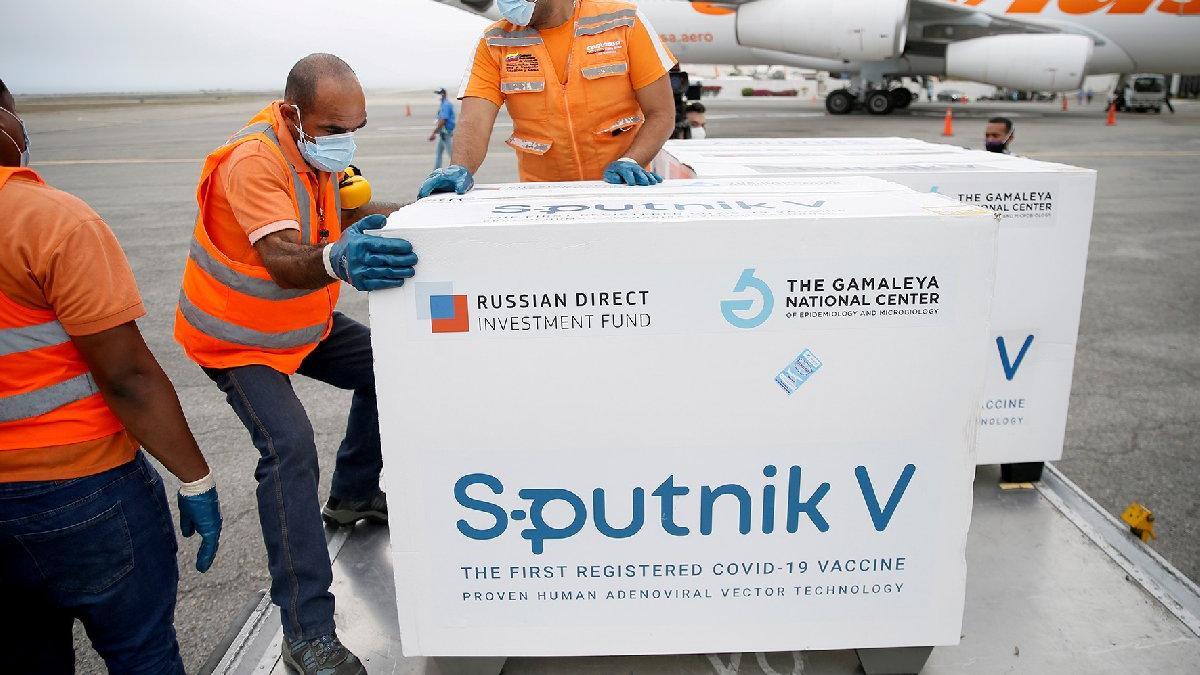 Türkiye'de de üretilecek Sputnik V aşısı için dikkat çeken analiz: Gözü kapalı yapmak gibi