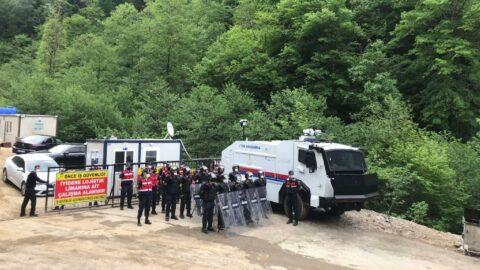 İkizdere'de gazetecilerin görüntü almasına jandarma engeli