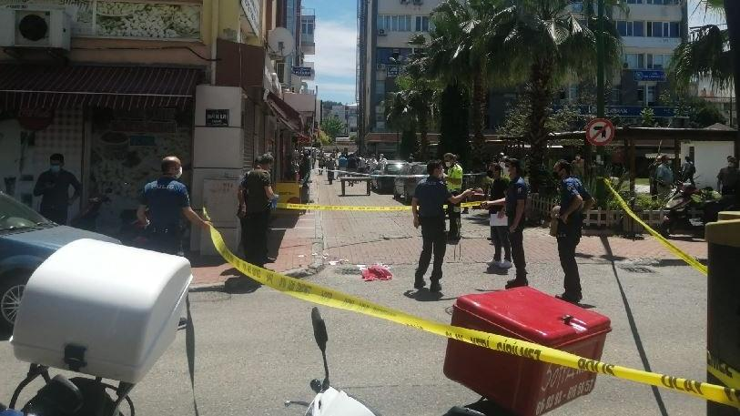 İş yerine silahlı saldırı: 2 ölü 1 ağır yaralı