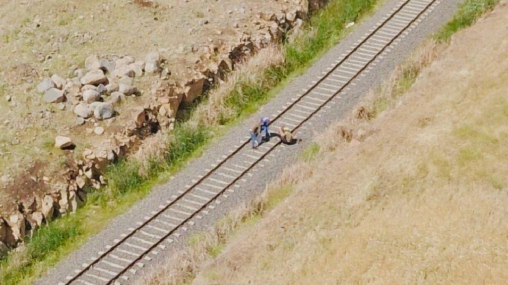 Hırsızlar abarttı: Tren raylarından söküp çaldılar