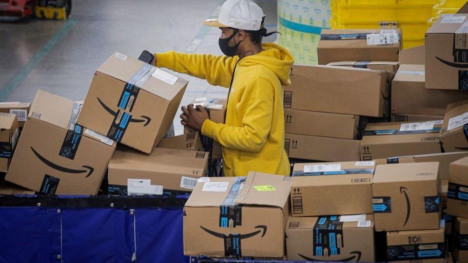 Amazon'dan çelişkili uygulama: Çalışanlarına sağlık programı dayatıyor
