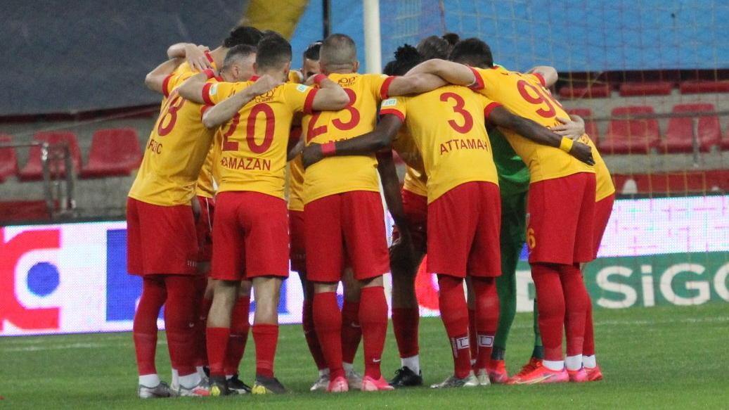 Kayserispor'da 6 teknik direktör çalıştı... Son hafta ligde kaldı
