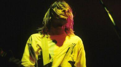 Ünlü şarkıcı Kurt Cobain'in saç teline rekor fiyat verildi