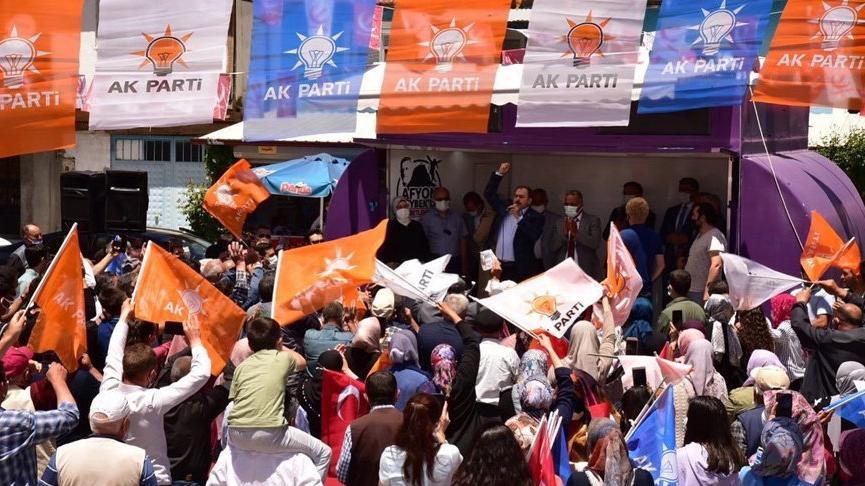 AKP'den 'lebalep' seçim mitingi