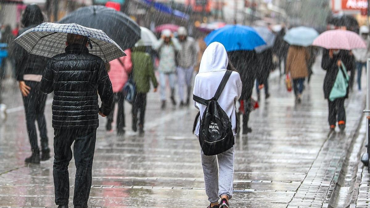 Cuma gününe dikkat! Serin hava ve kuvvetli sağanak yolda...