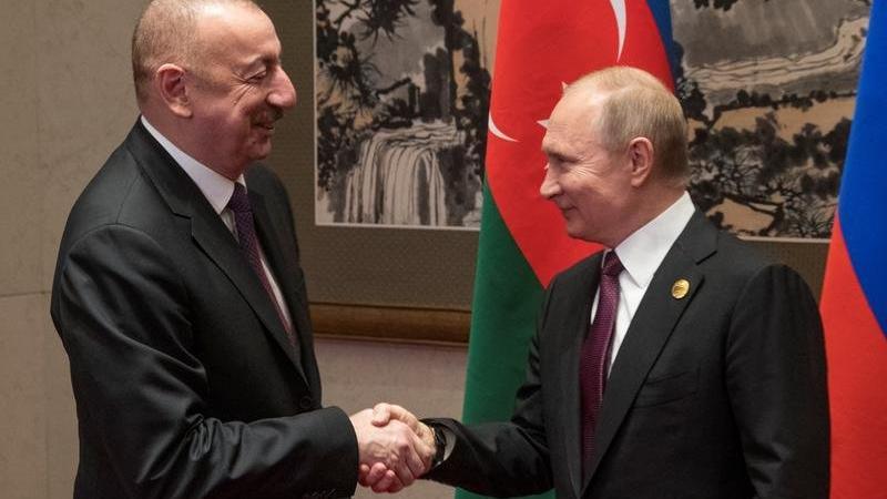 Aliyev ile Putin arasında 'sınır' görüşmesi