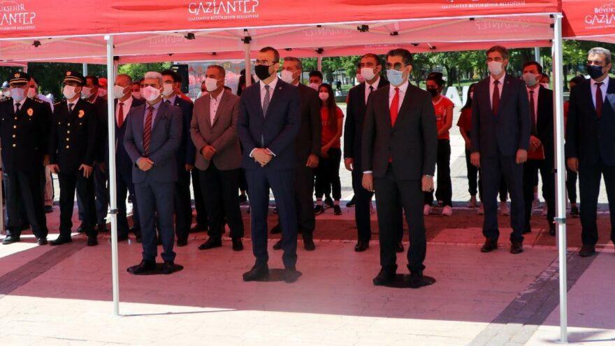 19 Mayıs törenine katılmayan il yöneticilerine seslendi: Şehitlerimizin kemikleri sızlıyor