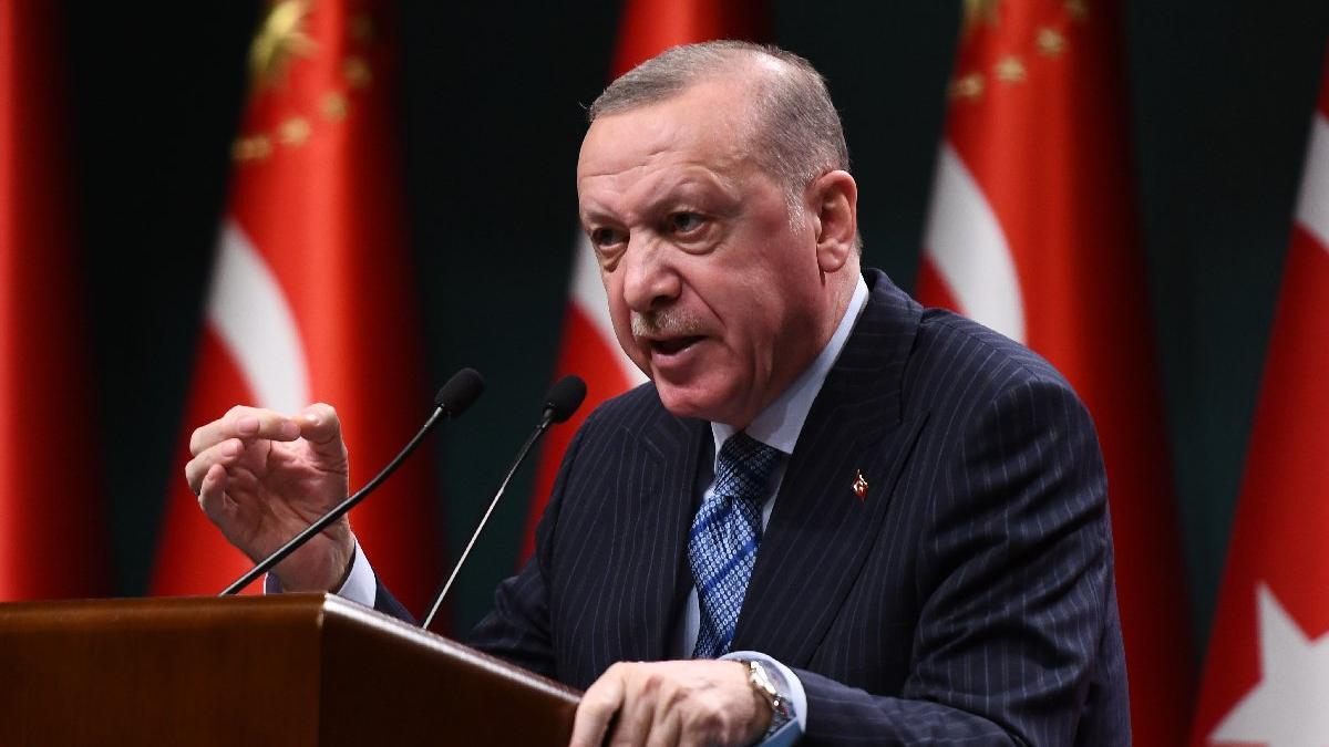 Cumhurbaşkanı Erdoğan'dan 'seyircili maç' açıklaması