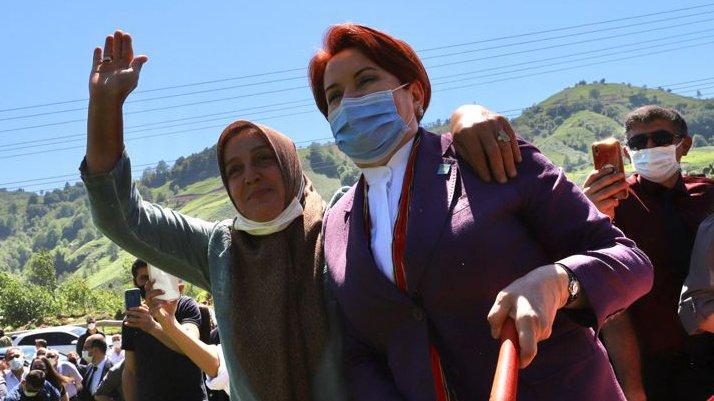 Akşener'den Erdoğan'a: Onun için çay topluyorum