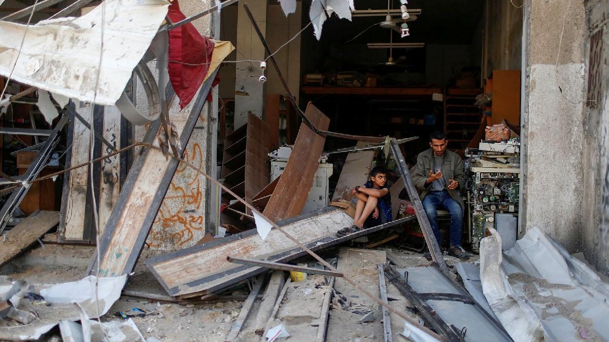İsrail'in saldırıları nedeniyle 75 bin Filistinli yerinden oldu