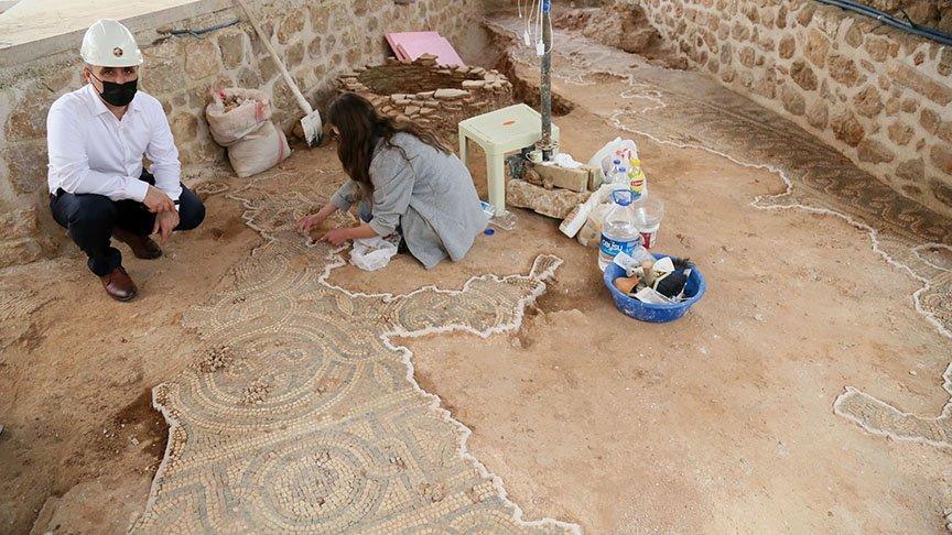 Tarihi caminin tuvalet kazısında bulundu