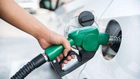 Akaryakıtta vergi arttı: Benzin ve motorine dev zam!