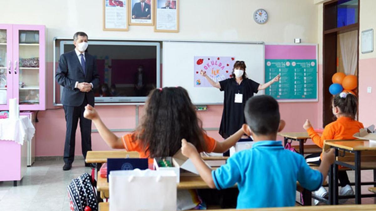 Milli Eğitim Bakanı Ziya Selçuk'tan 4.sınıf ve ortaokul öğrencileri için sınav açıklaması