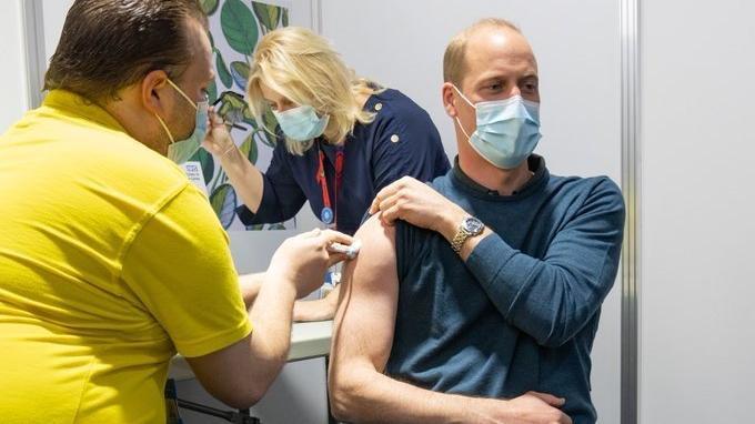 Prens William Covid-19 aşısı oldu