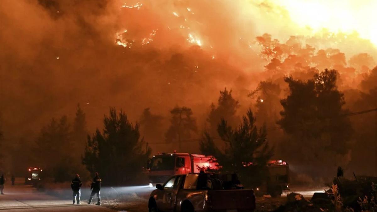 Komşuda yangın felaketi! Köyler boşaltılıyor