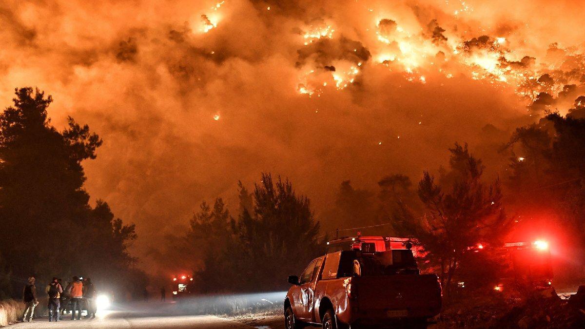 Yunanistan'da korkutan orman yangını: Yerleşim yerleri boşaltıldı