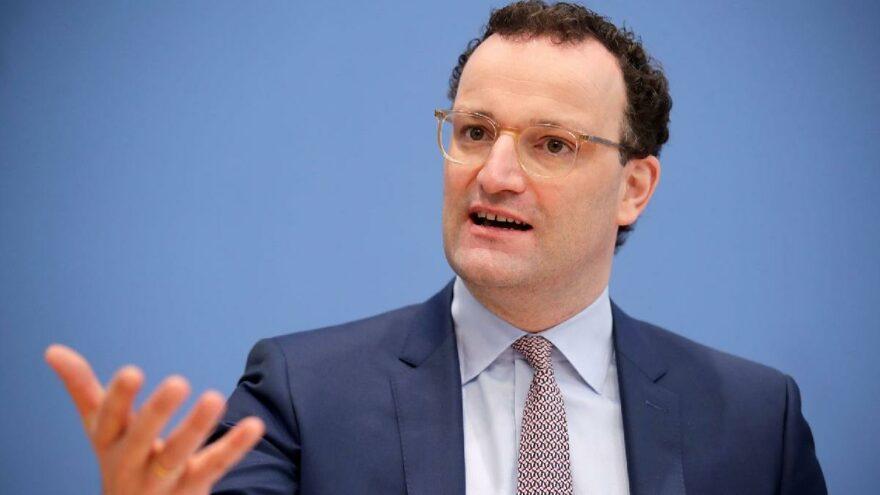 Alman Sağlık Bakanı Spahn: Her gün nüfusun yüzde 1'i aşılanıyor