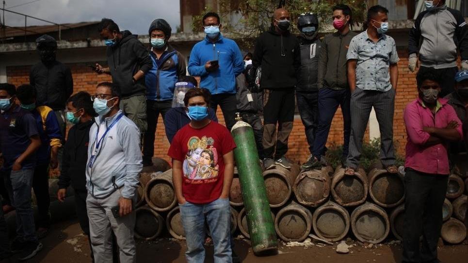 Nepal ikinci Hindistan olma yolunda... Vakalar hızla artıyor