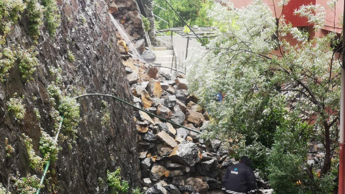 İstanbul'da istinat duvarı çöktü, 3 apartman tahliye edildi