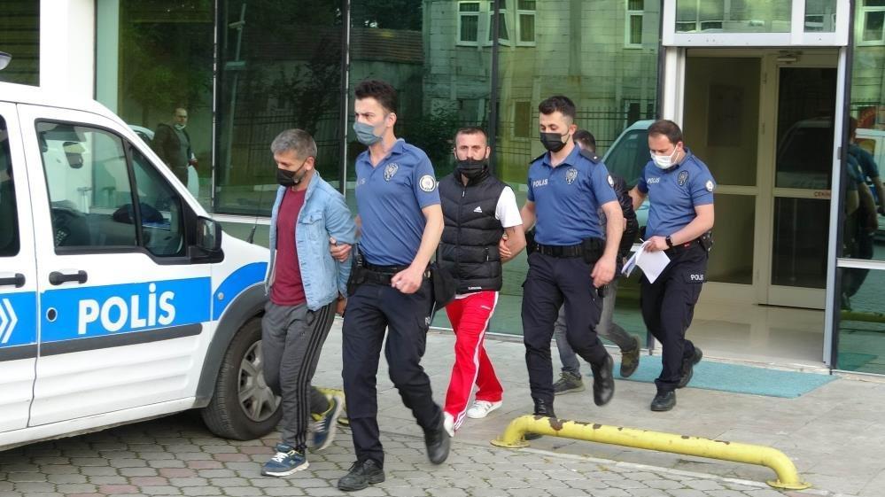 Eve polis gibi gelip 2.5 saat işkence yapan 3 kardeş tutuklandı