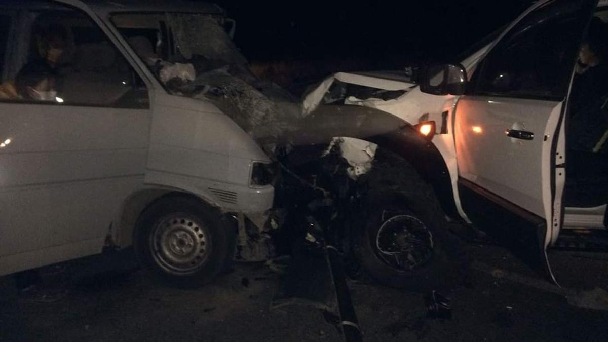 İzmir'de feci kaza: 2 ölü, 3 yaralı