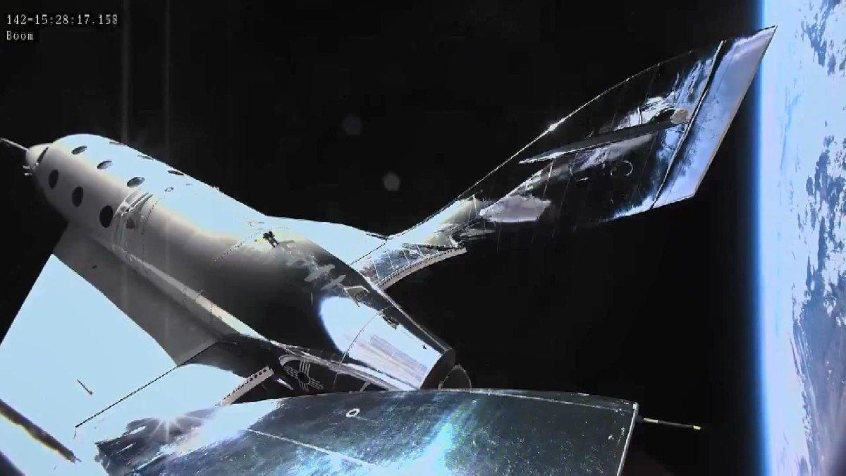 Virgin Galactic'in uzay aracı ikinci uçuş testinde de başarı sağladı