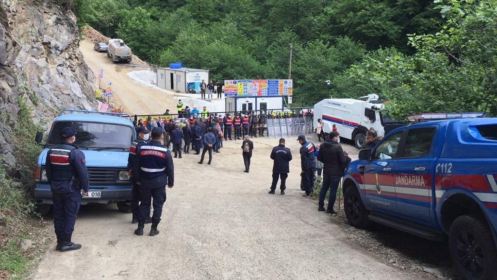 İşkencedere'de köylülere desteğe gelenler alana sokulmadı