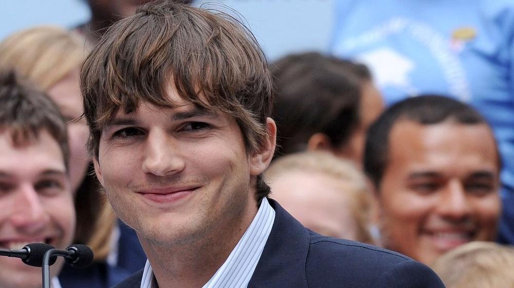 Ashton Kutcher'ın ikiz kardeşi, oyuncunun açıklamalarına çok kızgın