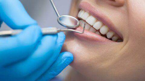 İngiltere'de diş hekimi randevuları için üç yıllık bekleme