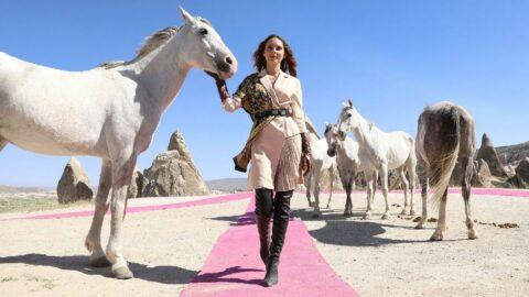 Ünlü mankenler güzel atlar diyarında