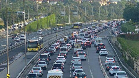 Kısıtlama bitti, trafik başladı