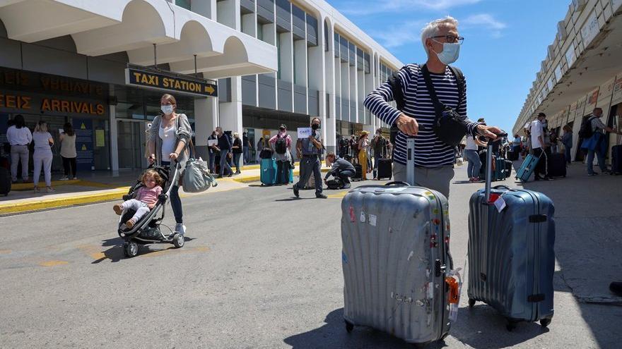 Yunanistan 21 ülkeye sınırları açtı: Türkiye listede yok
