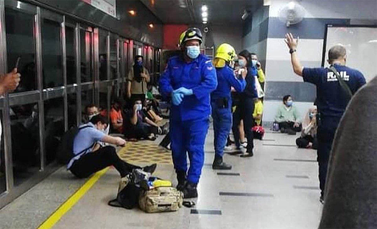 İki metro kafa kafaya çarpıştı: 200'den fazla yaralı