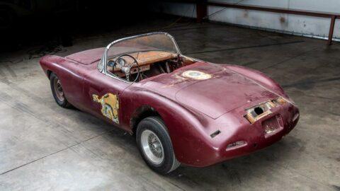 40 yıldır kayıp olan Corvette, 785 bin dolara satıldı