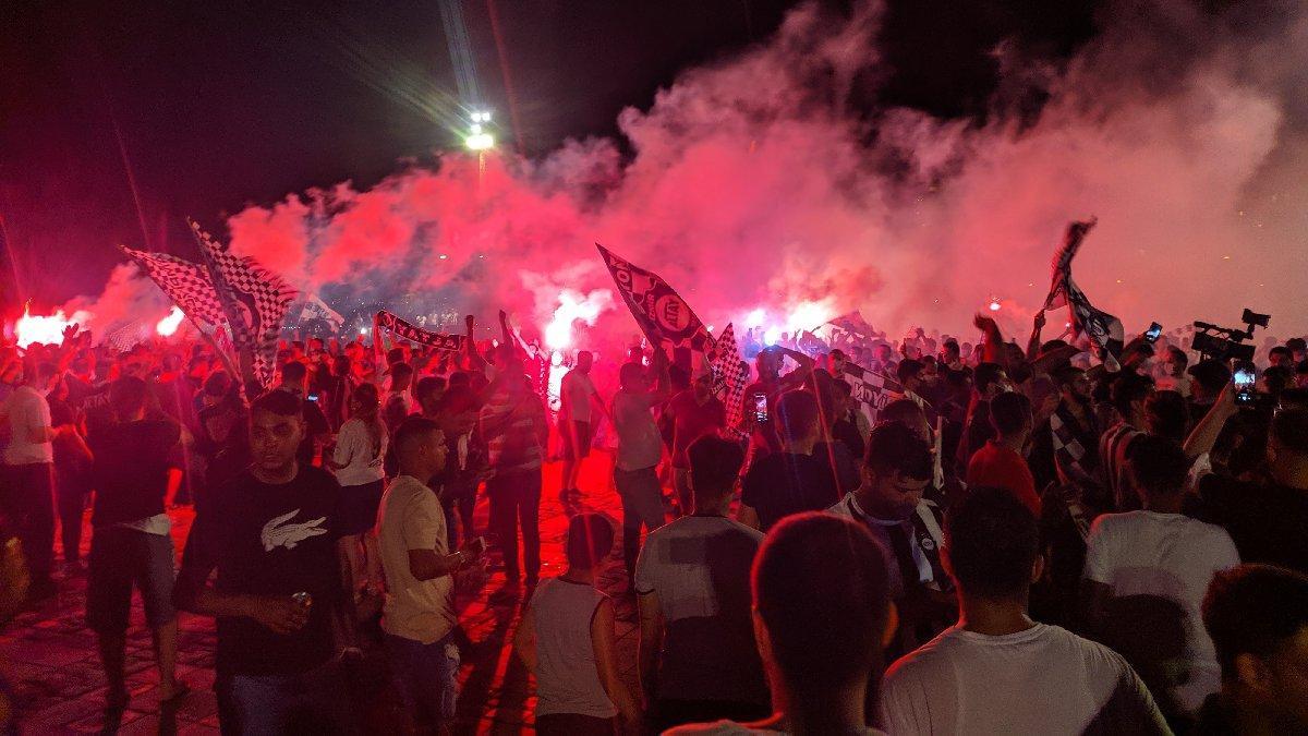 Altay Süper Lig'e yükseldi, İzmir'de pandemi unutuldu
