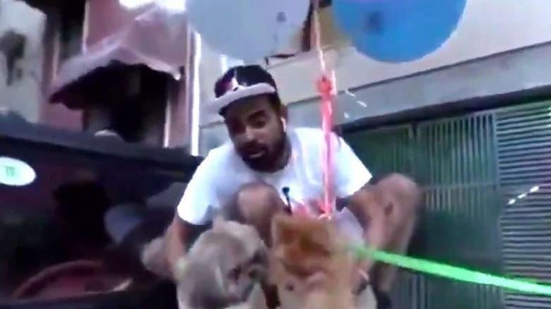 Köpeğine balon bağlayıp uçurdu, gözaltına alındı