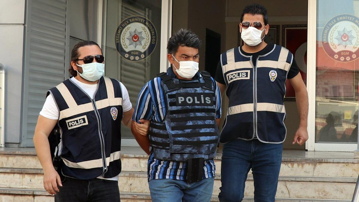 9 yıllık esrarengiz cinayeti iç çamaşırındaki kan çözdü