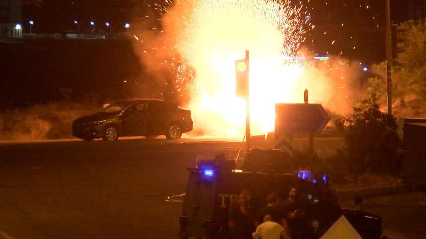 Diyarbakır'da bombalı araçla saldırı önlendi