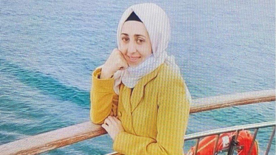 Çocuklarının gözü önünde bıçaklanan kadın öldü